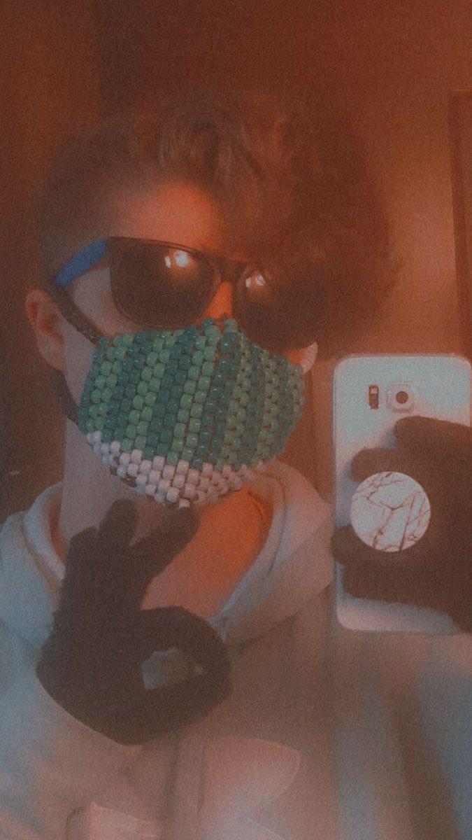 New Mask Pog???  .   .    .      - #QUACKTWTSELFIEDAY          - rts appreciated ♡