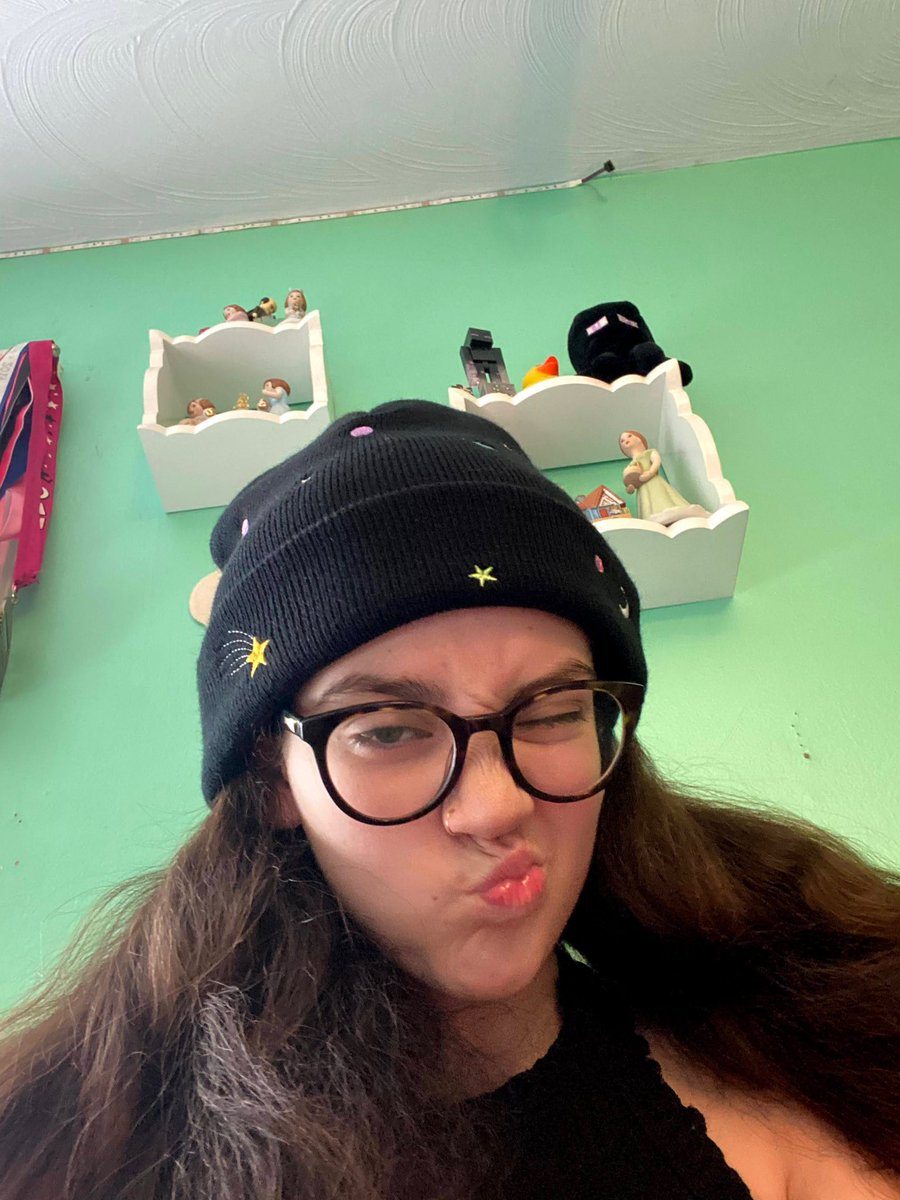 just two beanie besties ..........#quacktwtselfieday …………rts are appreciated <3