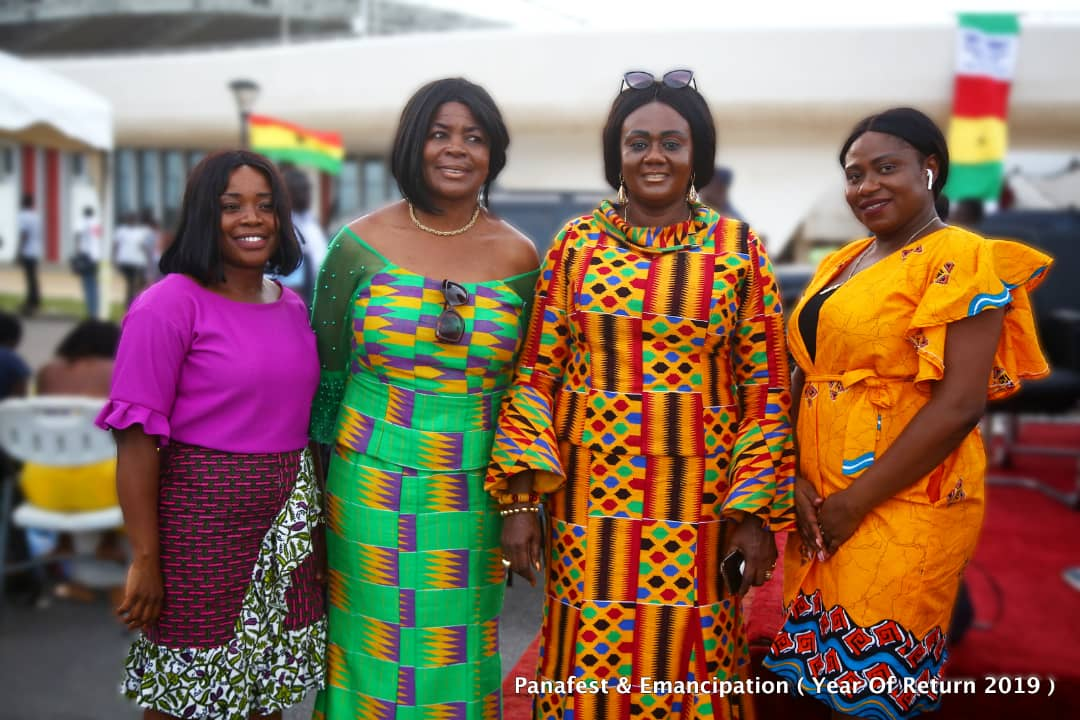 Sundays are when our warmth is expressed through unique smiles and varying colour combinations dubbed #wearghana. Share your wear Ghana look... . #sundayvibes #SundayFunday #StaySafeDiscoverGhana #SeeGhana #fashion #ghana #kente #lifestyle