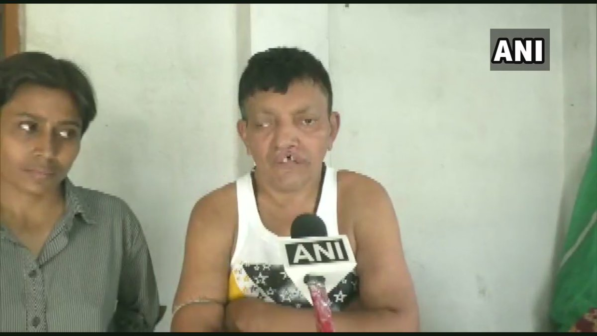 North 24 Paraganas: BJP worker Gopal Majumdar has alleged that three TMC workers entered his house and attacked his mother in Nimta, North Dumdum on 27th Feb; FIR registered #WestBengal