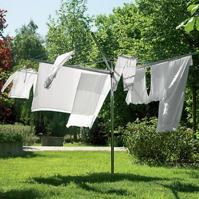 BRIGHT For Irish Gran and her sisters Monday was wash day. Getting the whites white held a sense of pride.  When one of the sisters got a twirly washing line, they all had to get one. Grandpa set it up for Gran, and she smiled as she watched his pants #rotate in the wind.#vss365