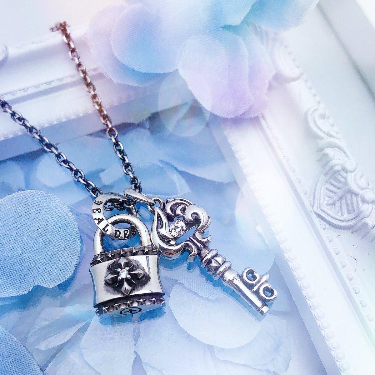 SELECT KEY TOP : ACE DANCING STONE  SPIKE CROSS PADLOCK  #dealdesign #silver925 #silverjewelry #design #accessory #handmade  #necklace #spade #stone #padlock #dancingstone #fashion #style #model #cute #pair #gift #followme #instalike #ootd
