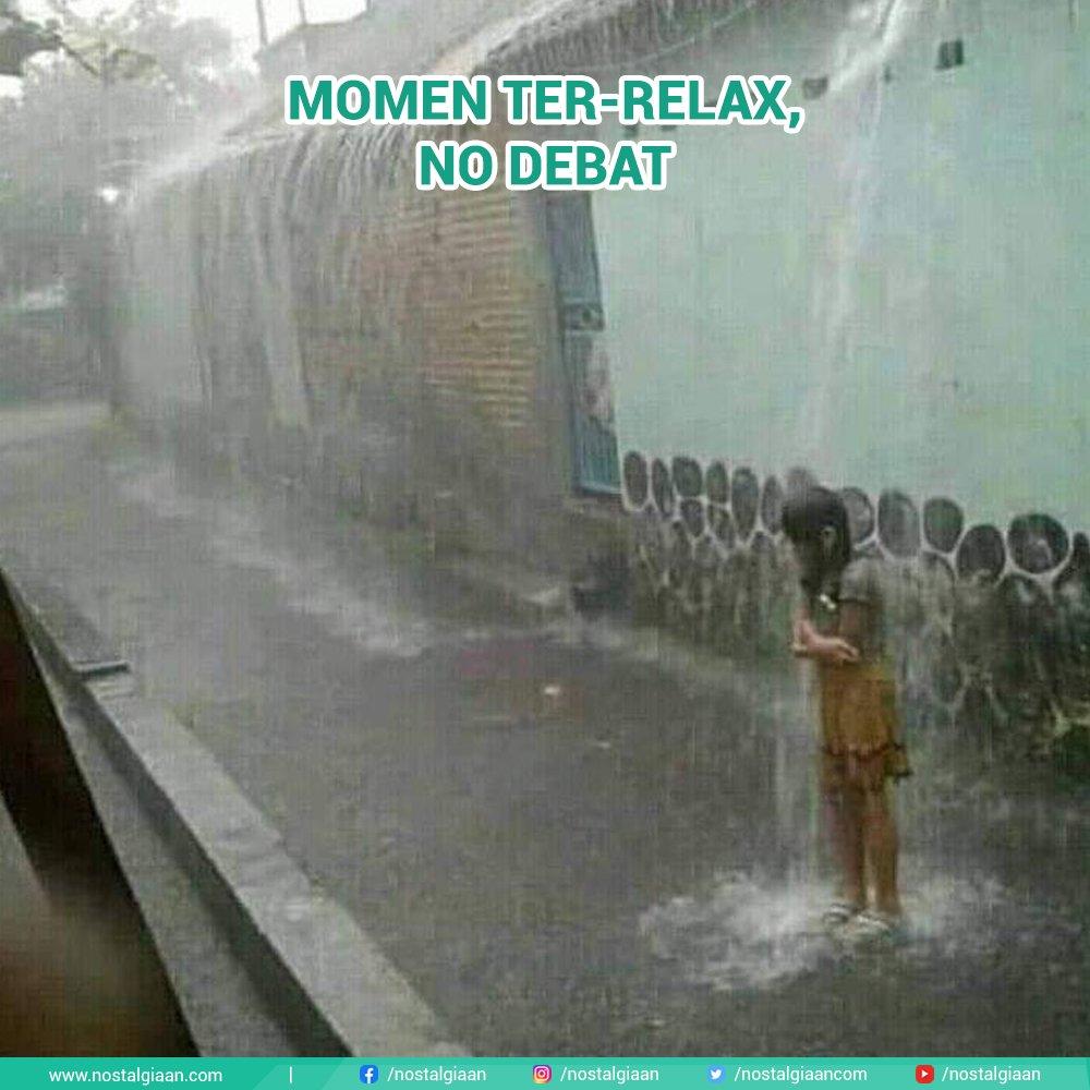 Gak perlu yoga. . . . #hujan #hujanhujanan #musimhujan #relax #chill #calm #seger #generasi90an #nostalgia #nostalgiaan
