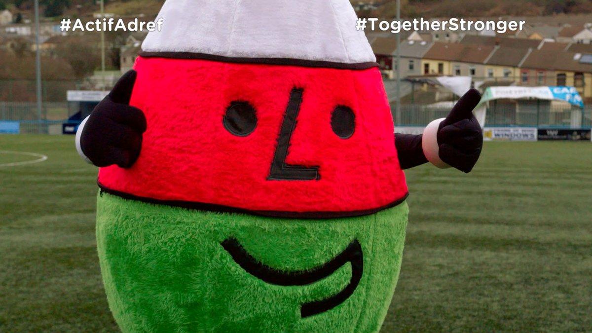 I ddathlu #GwylDewi byddwch yn rhan o #ActifAdref wythnos hyn gyda @Urdd a chwaraewyr @Cymru ⚽🏴  Sut mae eich sgiliau chi? 😃  #TogetherStronger   @walesdotcom