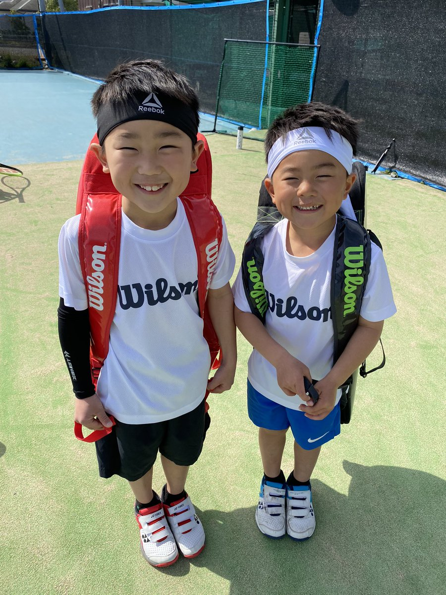 tennis days📸🎾  #tennis #テニス #wilson  #teamwilson  #smile #スマイル #笑顔 #兄弟 #brother #brothers  #tsitsipas  #dimitorov #bigsascha #photo #day  #holy  #japan #enjoy #sunday #kids  #cool #cute