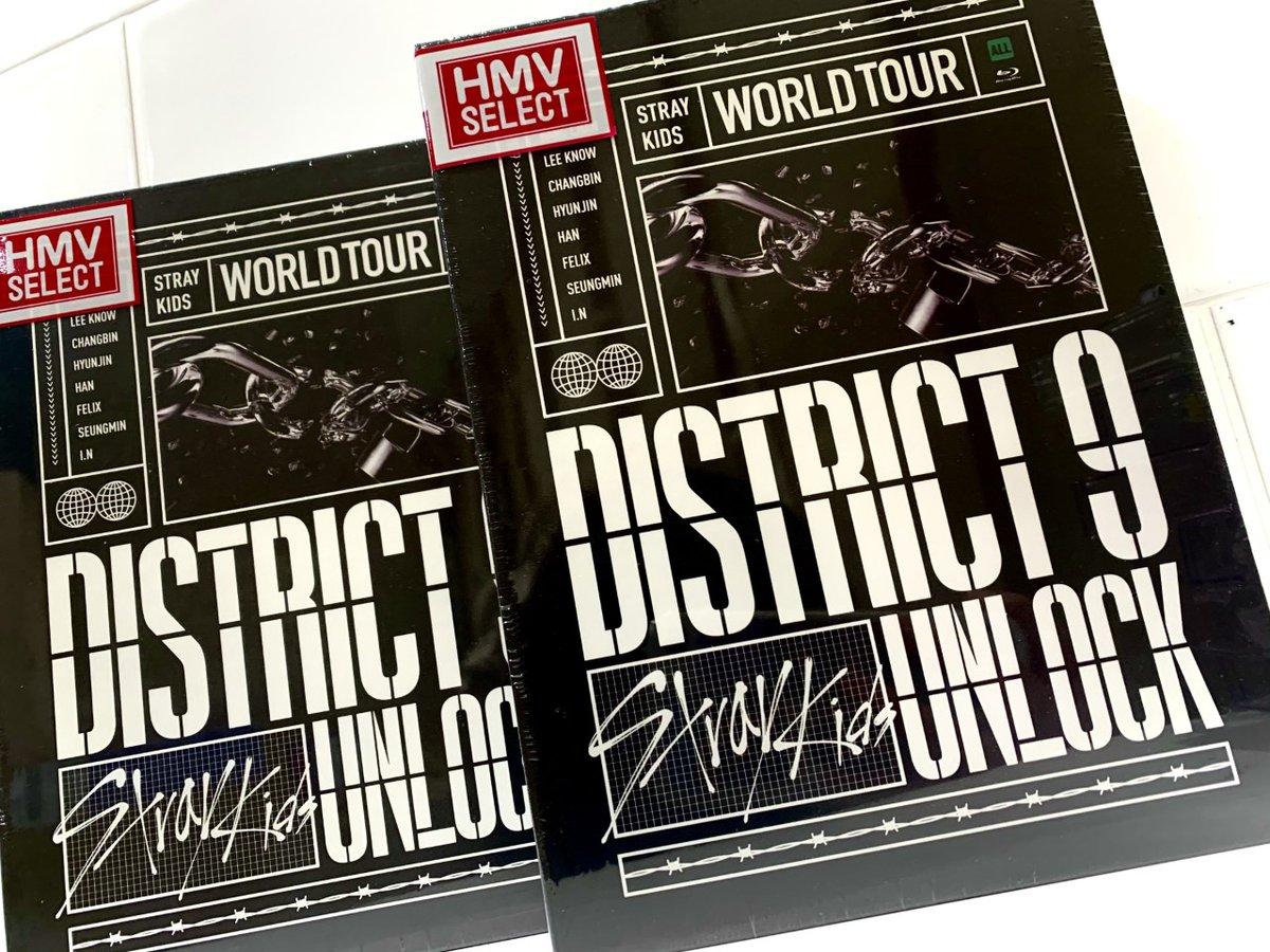 【#StrayKids】「Stray Kids World Tour 'District 9 : Unlock' in SEOUL」のBlu-rayが入荷しました👀✨✨ ワールドツアー本公演の映像とVCR撮影現場、リハーサル、メイキング映像が収録されています⚡️ 先着特典でミニポスターを1枚お渡中です🙌🏻💕 #스트레이키즈 #スキズ