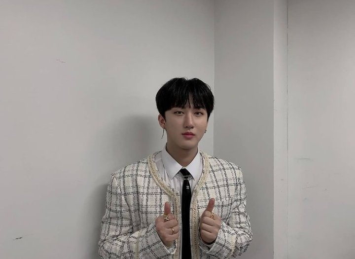 Hopefully STAYS are having a good break this weekend. Take time to unwind and get a good rest! However, by tomorrow we will be doing dynamics again. Don't feel pressured and participate once you feel better!  스트레이 키즈 창빈 #CHANGBIN #창빈 #STRAYKIDS #스트레이키즈 @Stray_Kids