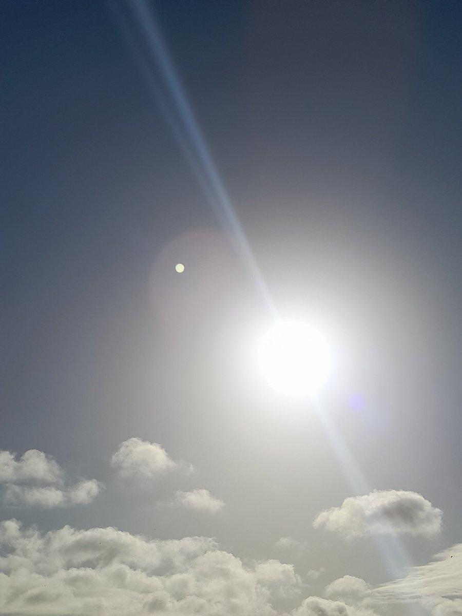 Sky... ☁️☁️☁️ #sky #mood #sun #moon #clouds