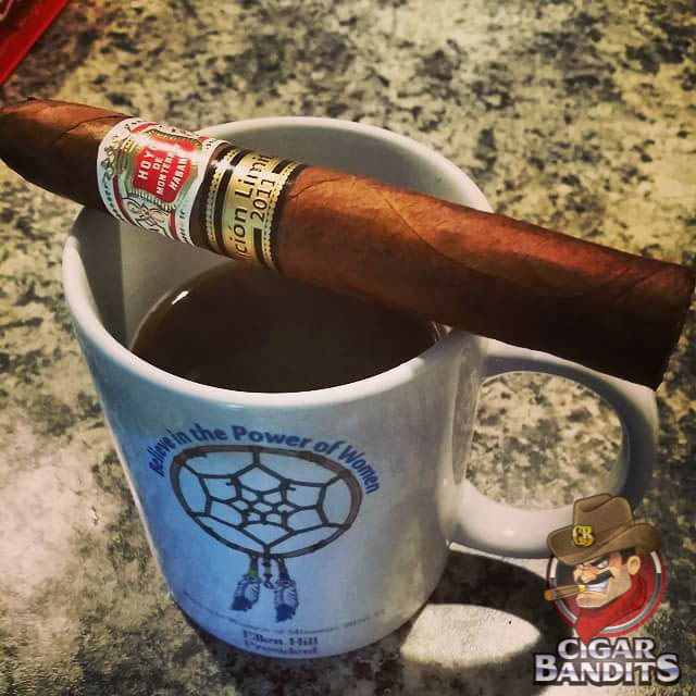 #Sunday Mornings can take on a number of different appearances - relaxation, personal development, community or simply running errands. What are you all getting into today? #CigarBandits #CBDalton #CigarsOfInstagram #CigarOfTheDay
