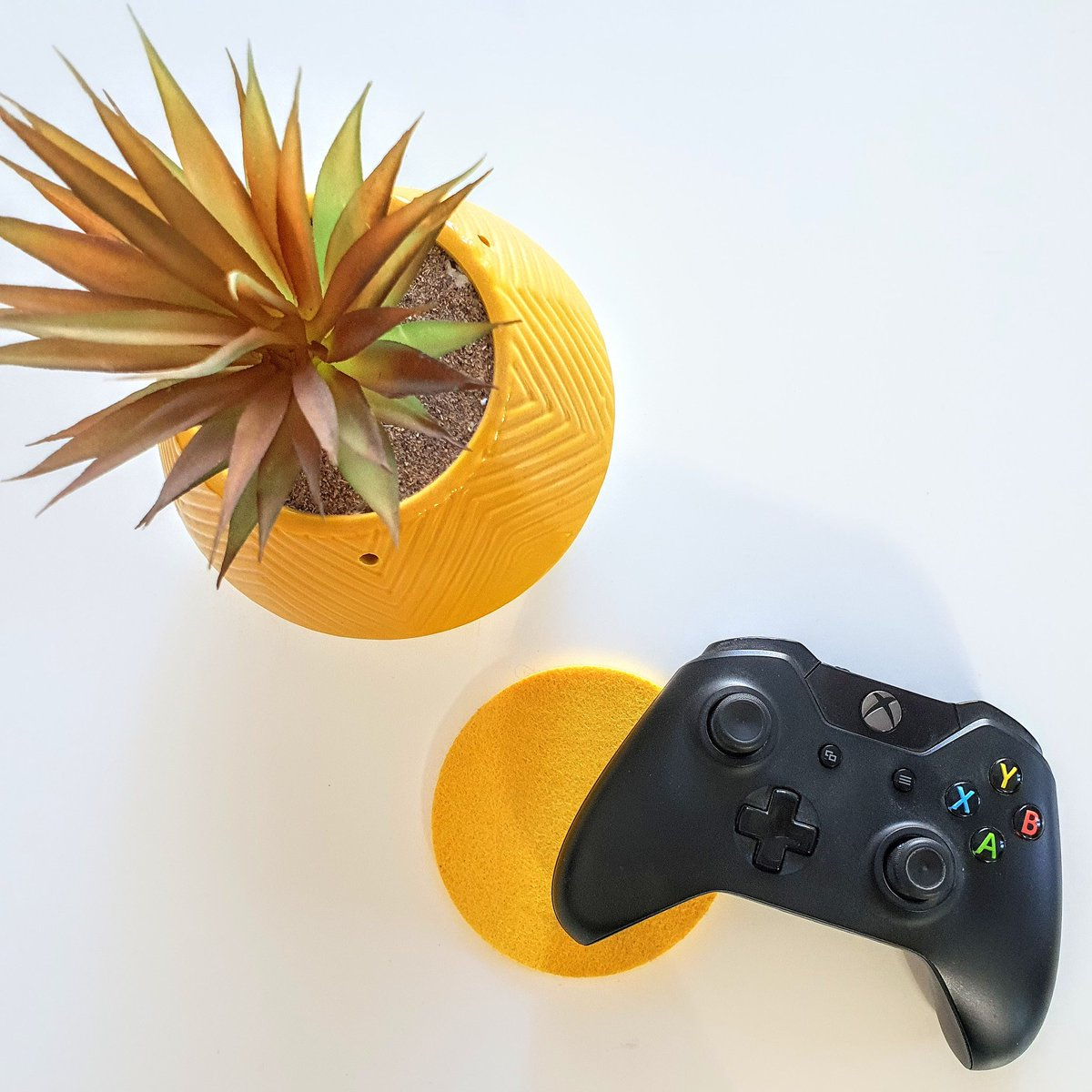 What are your favourite #Xbox games?   Creative Coconut Games YouTube Channel 🌴🥥   #xbox #game #games #yellow #white #control #controller #bristol #couplegoals #favourite #husbandandwife #sunday #lazysunday #gameday #picture #picoftheday