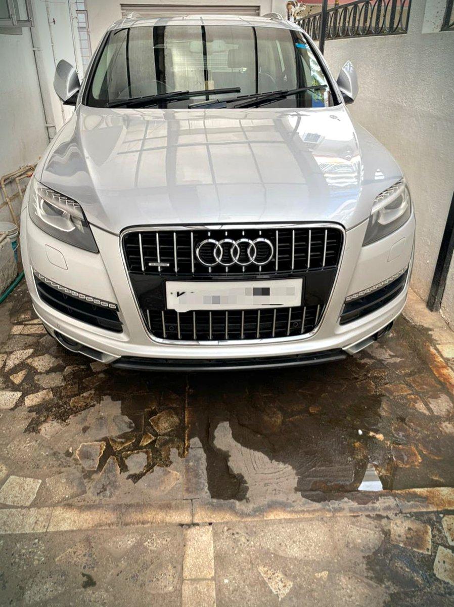 Audi Q7 3.0 TDI 👍 CBU edition 2013-15 Third owner 67000 Kms KA REG 🚖 Car in Bangalore RC PAYMENT 💥  #follow #cars #audi #quattro #bengaluru #followmyjourney #cars247 #audios #audia4 #audia3 #audicars #carsphotography #audiautomotive #carsport #car #cargram #carlover #carshow