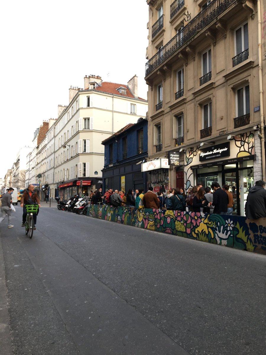 Le vélo et la terrasse de café #Paris #LaPoésieAuTempsDuCoronavirus #poésie