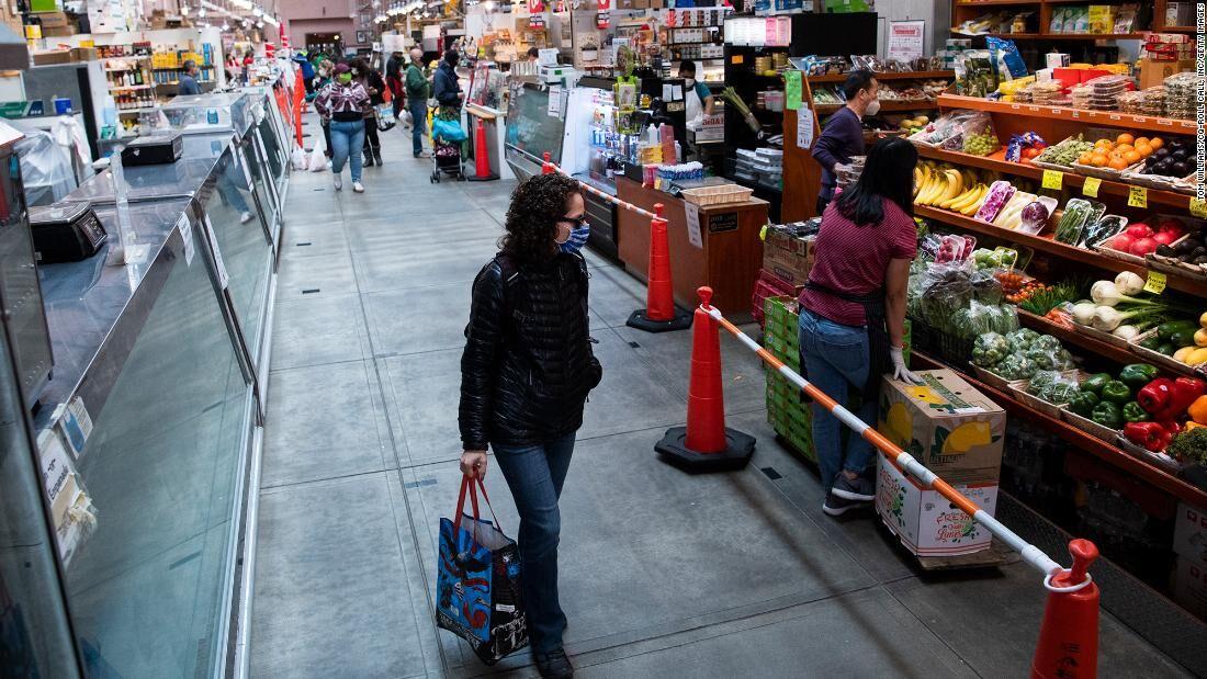 On a budget? Here's how to save money on your groceries:  #savingmoney #moneysaving #savingyoumoney #moneysavingtips #newyear2021