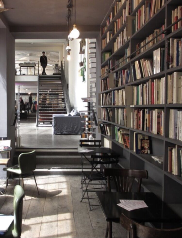#MerciCafe #Paris #books