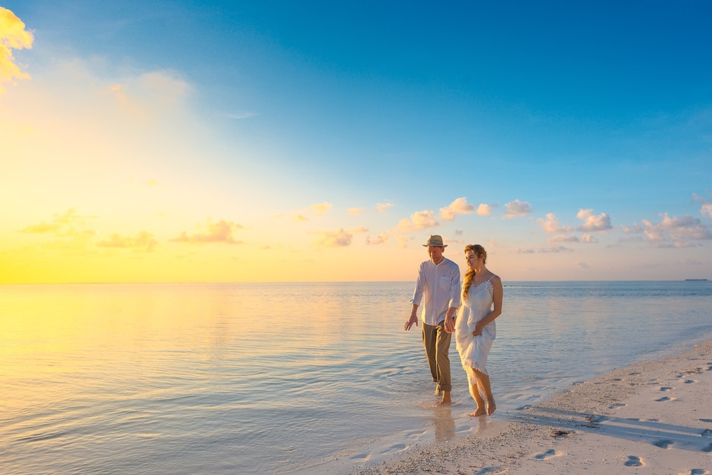 Surrounded by turquoise waters, #Antigua is a breathtaking #Caribbean paradise. What makes the island a perfect honeymoon location? It's a warm temperature all year round.  DM me to start planning your #romantic #escape.  #travel #honeymoon #romanticgetaway #romanticn #romance