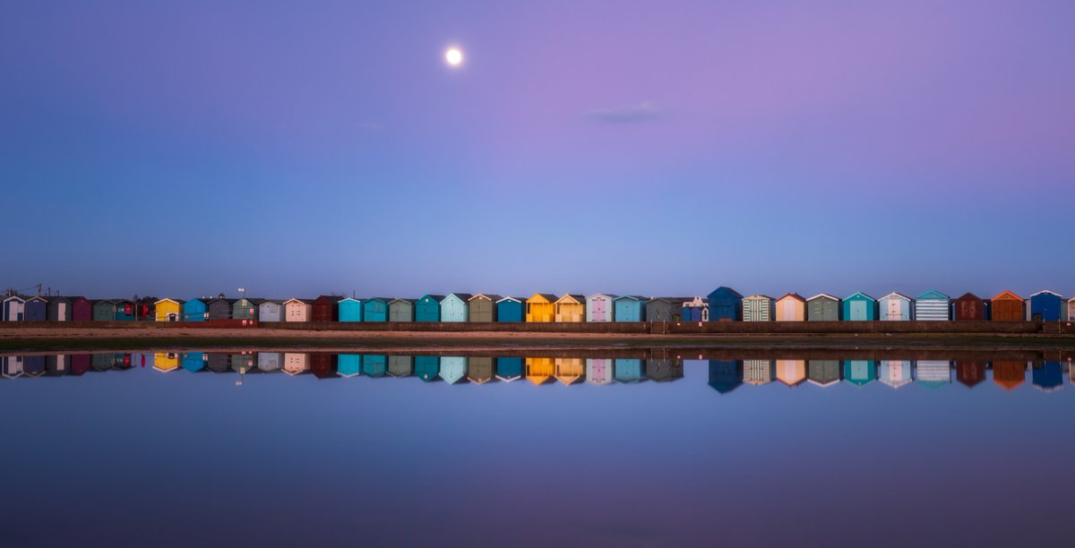 The snow moon rise above the beach boxes at Brightlingsea. The sky was a wonderful colour thanks to the sunset that was a little while before I took this image. #landscapes #landscape #nature #landscapephotography #photography #ig #naturephotography #sunset #travel #brightlingsea