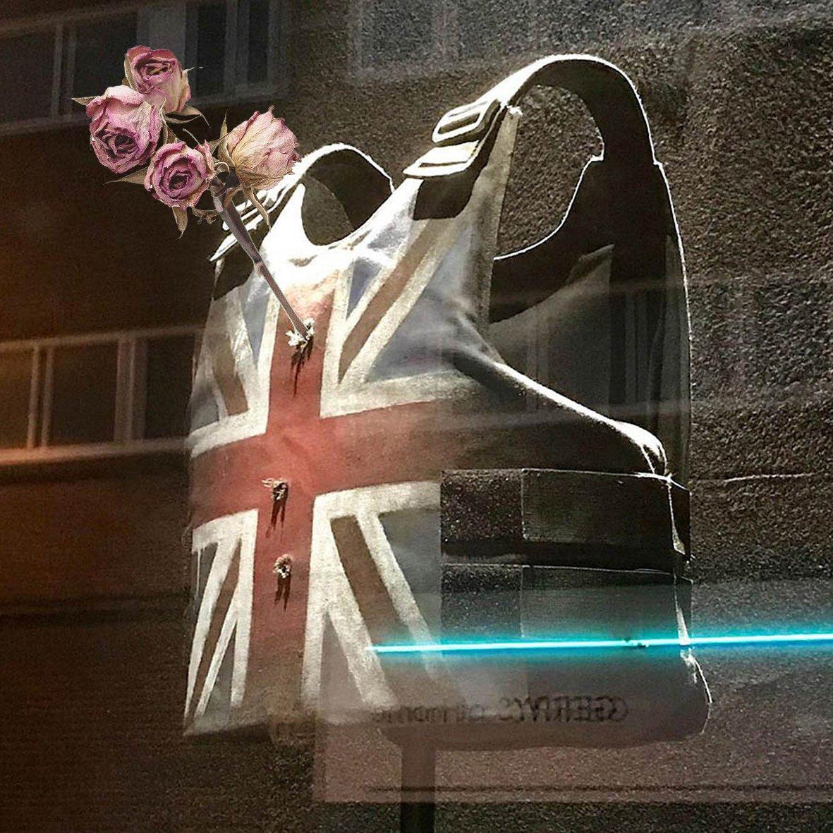 Hommage #banksy × #flowers  #japan #graphics #design #art #fashion #streetfashion #skateboard  #photoshop #graphicsdesign  #photo #collage #collageart #sneakers #japaneseart #highbrand  #domesticbrand #skater #digitalcollage #digitalcollageart #music