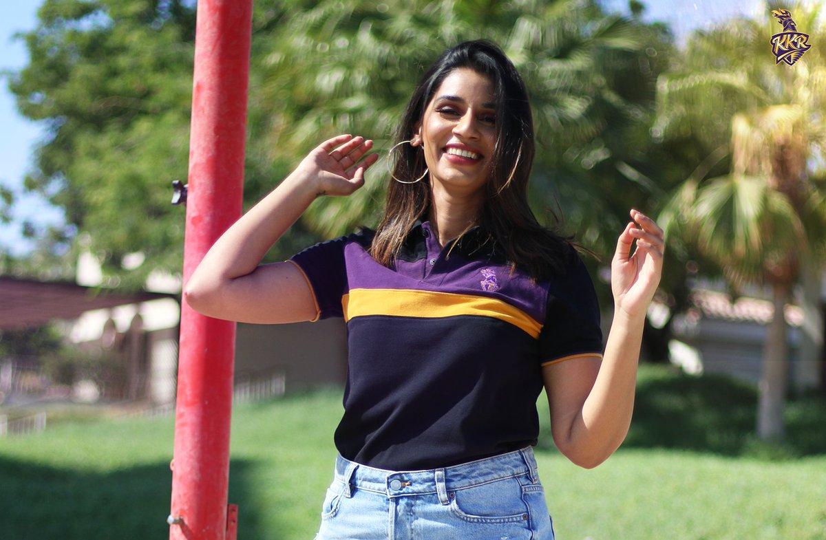 Month End + Weekend 😉  Like @SanjanaGanesan's stunning outfit? Grab yours now 💜 (link in bio)  #ShopTheArena #KKR #HaiTaiyaar
