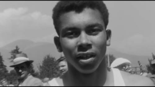 Listen to #HarryJerome 's younger sister, Valerie, describe how her brother overcame the odds to become one of #Canada's greatest athletes.  Watch the @globalnews interview here 👉 #racisminsport #canadianlegends #blackpioneers #BHM2021 #gonetoosoon #28Days