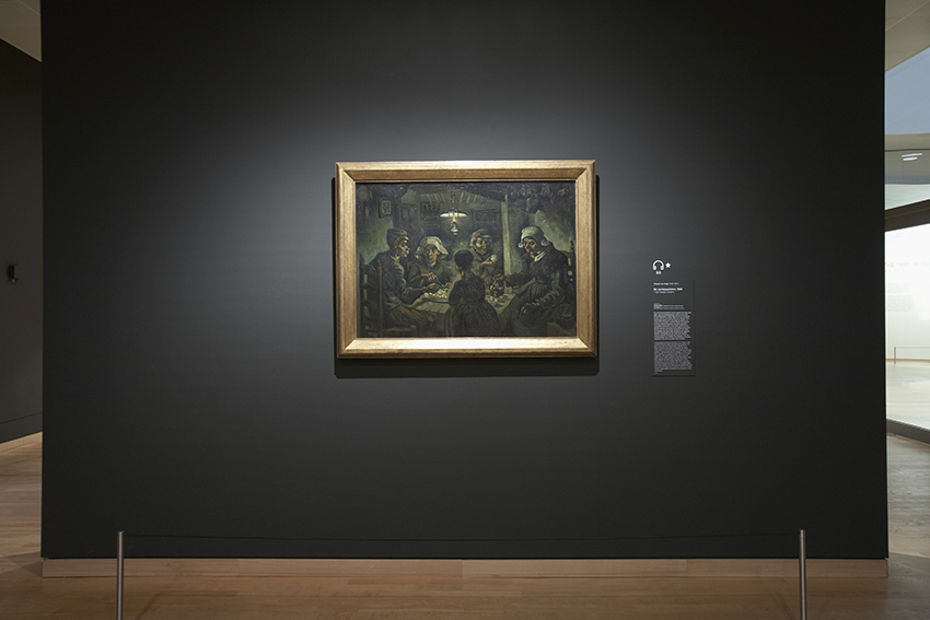 What colour wall would you place The Potato Eaters on? The colour of the wall on which a painting is presented can have a dramatic effect on the artwork's colours. The background can enhance or illuminate the work, or even make it fade into its surroundings. https://t.co/TVAW4IczPE