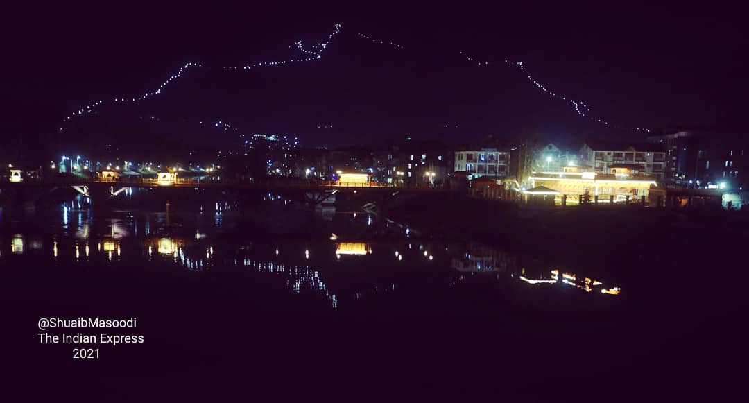 In pictures:-  Night view of river Jhelum  srinagar. #srinagarcity #riverjhelum #nightview #smartcity #JammuAndKashmir #dailypicture @shuaibmasoodi @IndianExpress @ExpressImages