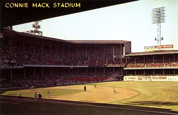 1964 postcard of Philadelphia's Connie Mack Stadium.  The upper deck, particularly in summer, was stifling hot. As can be seen here it was completely enclosed with zero ventilation. But hey, nothing an ice cold coke or beer couldn't fix, right? https://t.co/0pN3KLEjoJ
