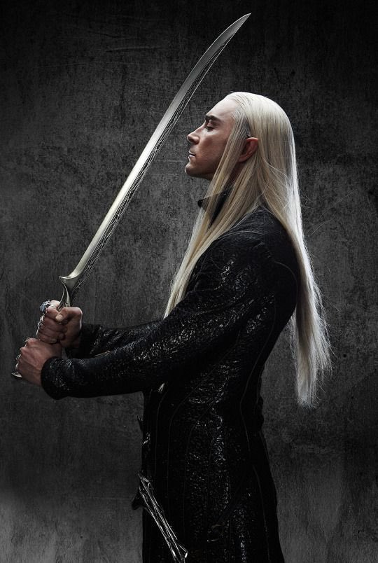 Replying to @thrxnduil: lee pace as thranduil was the serve of the century
