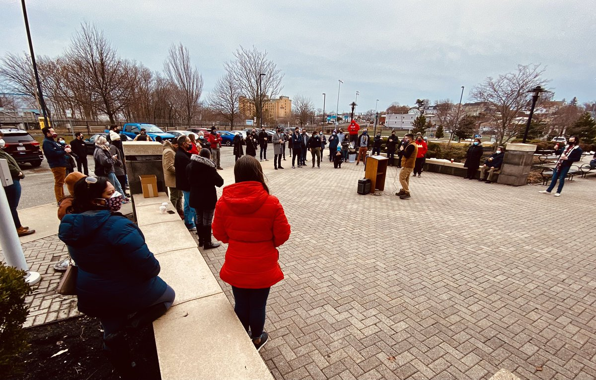 Massive crowd at Rumney Marsh Middle School in Revere to safely GOTV for the @JuanForRep campaign. Educators & the community in the #19thSuffolk stand with Juan on Tuesday 3/2 as he has a track record of making public education, our students, & schools a top priority!
