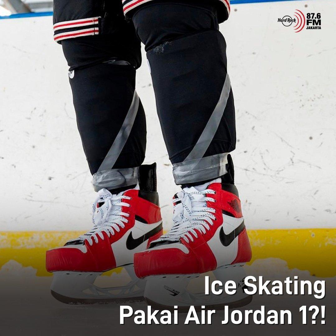 #HRFMNews Terisnpirasi dg sneakers yang disukai, Just Dishin membuat replika Air Jordan Chicago dilengkapi dengan Speedblade XS untuk memasang pisau sepatu ice skating dan tidak lupa, detail swoosh Nike dan logo Air Jordan juga ada di sepatu ice skating ini.  Minat punya ga?