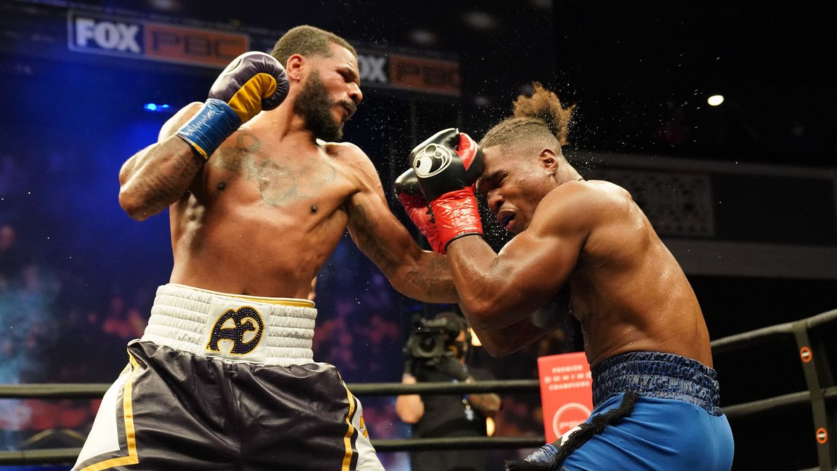 ICYMI: @Anthonydirrell and @KyShutitDown fought to a split decision draw in their super middleweight title eliminator last night on @PBConFOX. Agree or disagree with the decision? Discuss below. 👇   For more fight night highlights:   #DirrellDavis