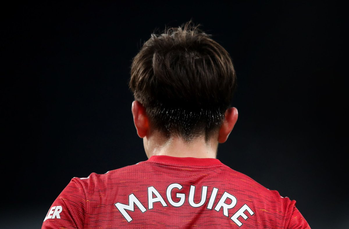 Harry Maguire's game by numbers vs. Chelsea:  93% pass accuracy  7 long passes attempted  6 long passes completed  5 clearances [4 headed] 4 switches of play  3 tackles attempted  3 fouls suffered  2 ball recoveries  2 tackles won  1 clean sheet   Solid. 🪨