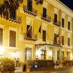 Image for the Tweet beginning: La rinascita dell'Hotel Exclesior: passerà