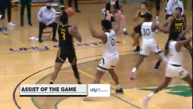 Last night's @UHYAdvisorsNY #SienaSaints #AssistoftheGame features @_BigshotManny_ finding @JKing241 in the corner for a clutch three #MarchOn