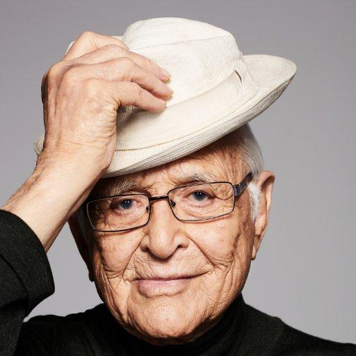 Premio a la trayectoria para Norman Lear. Este hombre es un gigante de la TV!!!  #GoldenGlobes