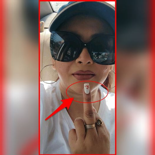 CPIM is on the Middle Finger (and upside down) means FU@K you CPIM 😂 She is a member of the party. God Bless her 😂   #WestBengal #WestBengalElections2021 #Kolkata #BJP #CPIM #Brigade2021 #BrigadeRally #Brigade