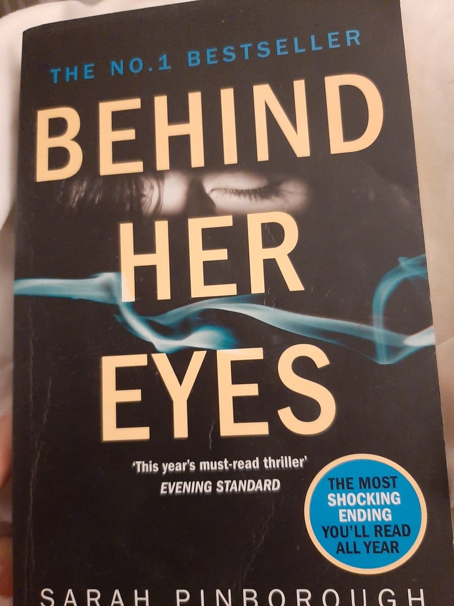 After watching episode 1 on Netflix I wasnt sure whether to read or watch first........ Im going in.......📚📺  @SarahPinborough #BehindHerEyes