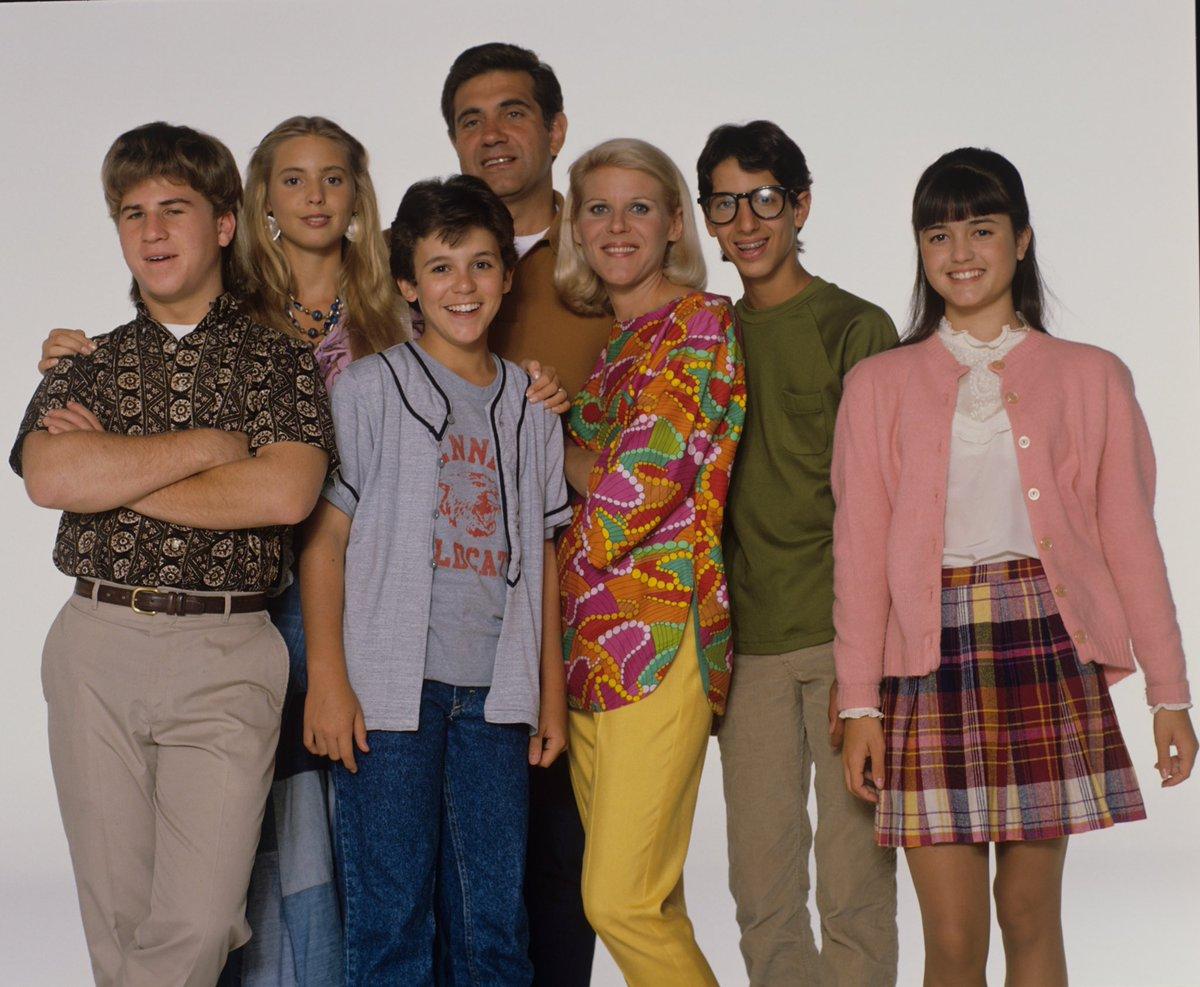 You're Wanda, what sitcoms do you live through? #WandaVision