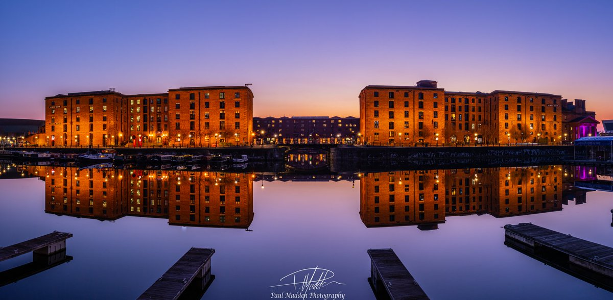 A nicely mirrored Royal Albert Dock viewed from across the Salthouse Dock in Liverpool earlier this evening.  #photography @BBCNWT
