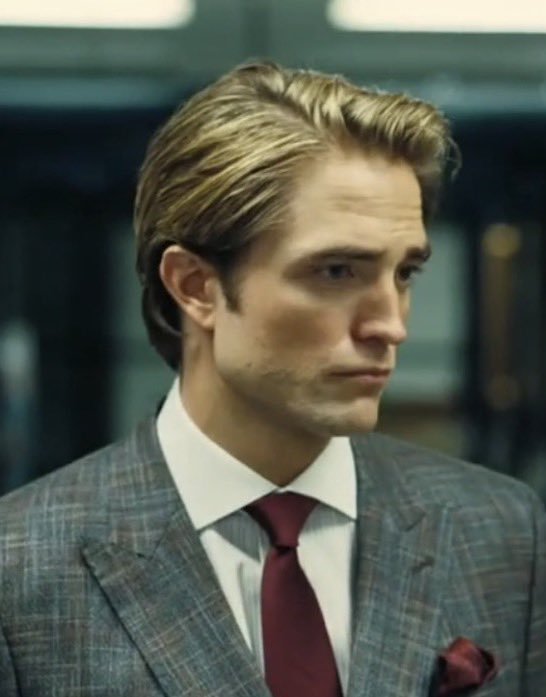 we dont talk about robert pattinson hair in tenet enough