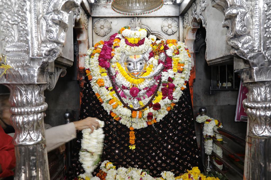 Replying to @JPNadda: वाराणसी स्थित सुप्रसिद्ध काल भैरव मंदिर में दर्शन व पूजा अर्चना कर सर्व मंगल की कामना की।