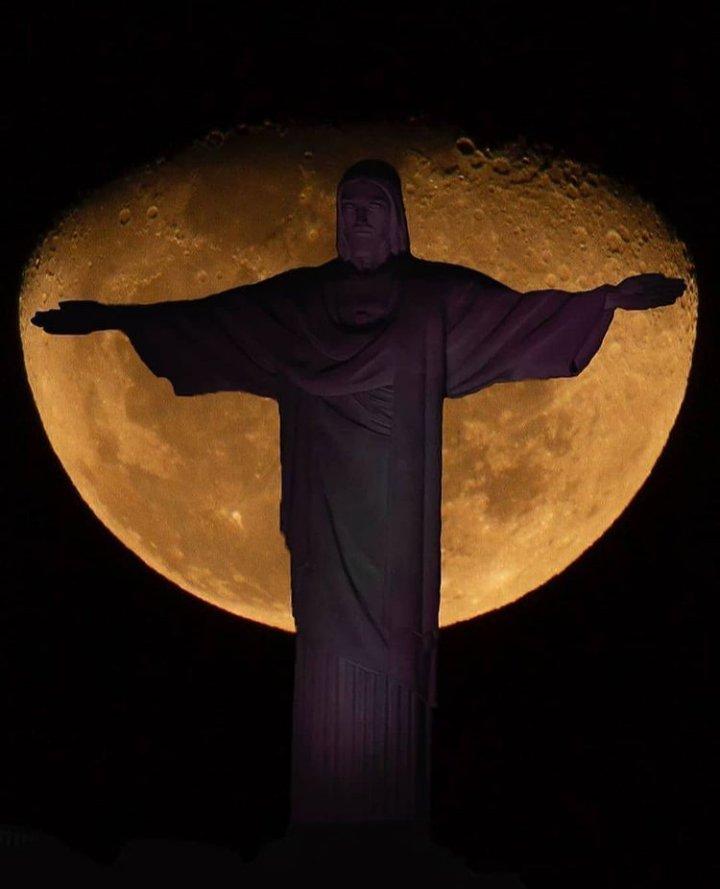 Do Leme ao Pontal Nao há nada igual ( no mundo)...  Parabéns, Rio de Janeiro! 456 anos