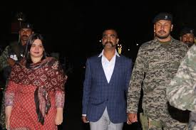 #Abhinandan  reached #India from the Wagah-Attari border at 9:20 pm 01 March 2019, after being in the grip of Pakistan for 58 hours. He shot down the F-16 aircraft of the Pakistani Air Force. #airstrike #IndianArmy #IndianAirForce #India  #BalakotAirStrike #CRPF #PulwamaAttack