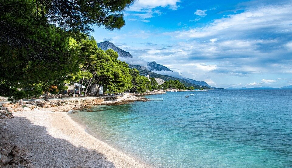 Makarska, #Croatia 🇭🇷 is the main beach resort town along the Makarska Riviera in Croatia, south of Split. 🏝 Things to do 🏕 Krka Waterfalls Day Trip from Makarska Riviera ➡  #travel #vacation #nature #phototravelz