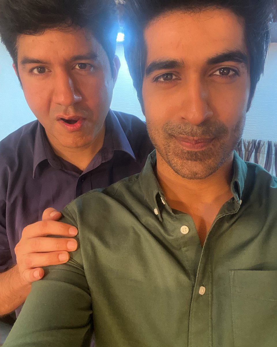 Dekho Vekho kaun milya . Dilli ke baad Mumbai again !! Seems it's gonna be fun today !! @keshavsadhna ladka super-hero hai !! Catch him on #collegeromance too #actor #actorslife #fun #crazy #shoot #dhamaal #life #igers #gag #tv #advertising #digital