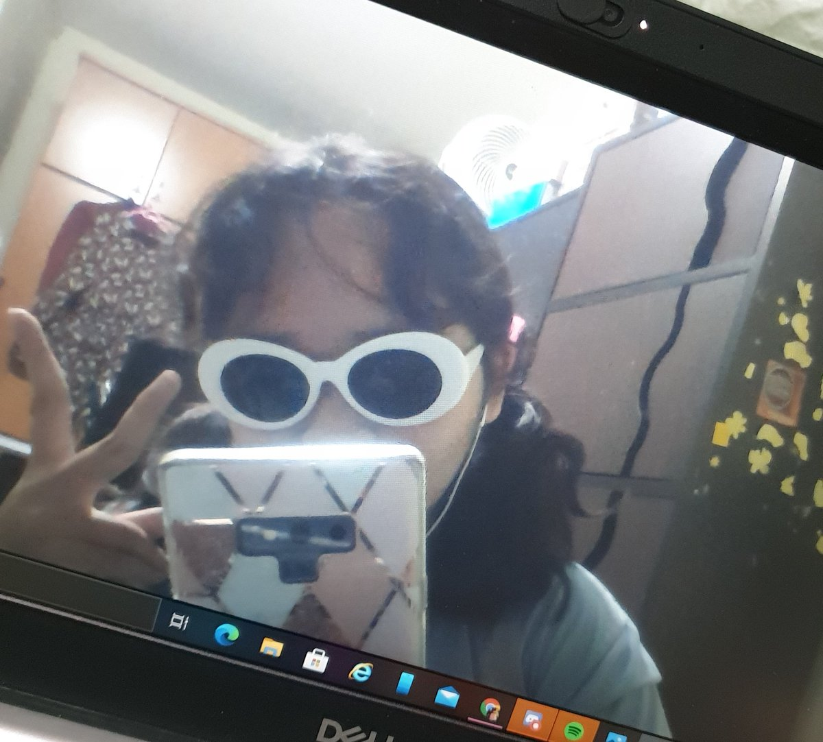Ayo clout glasses frm my friendd  #dttwtselfieday [rts ok]