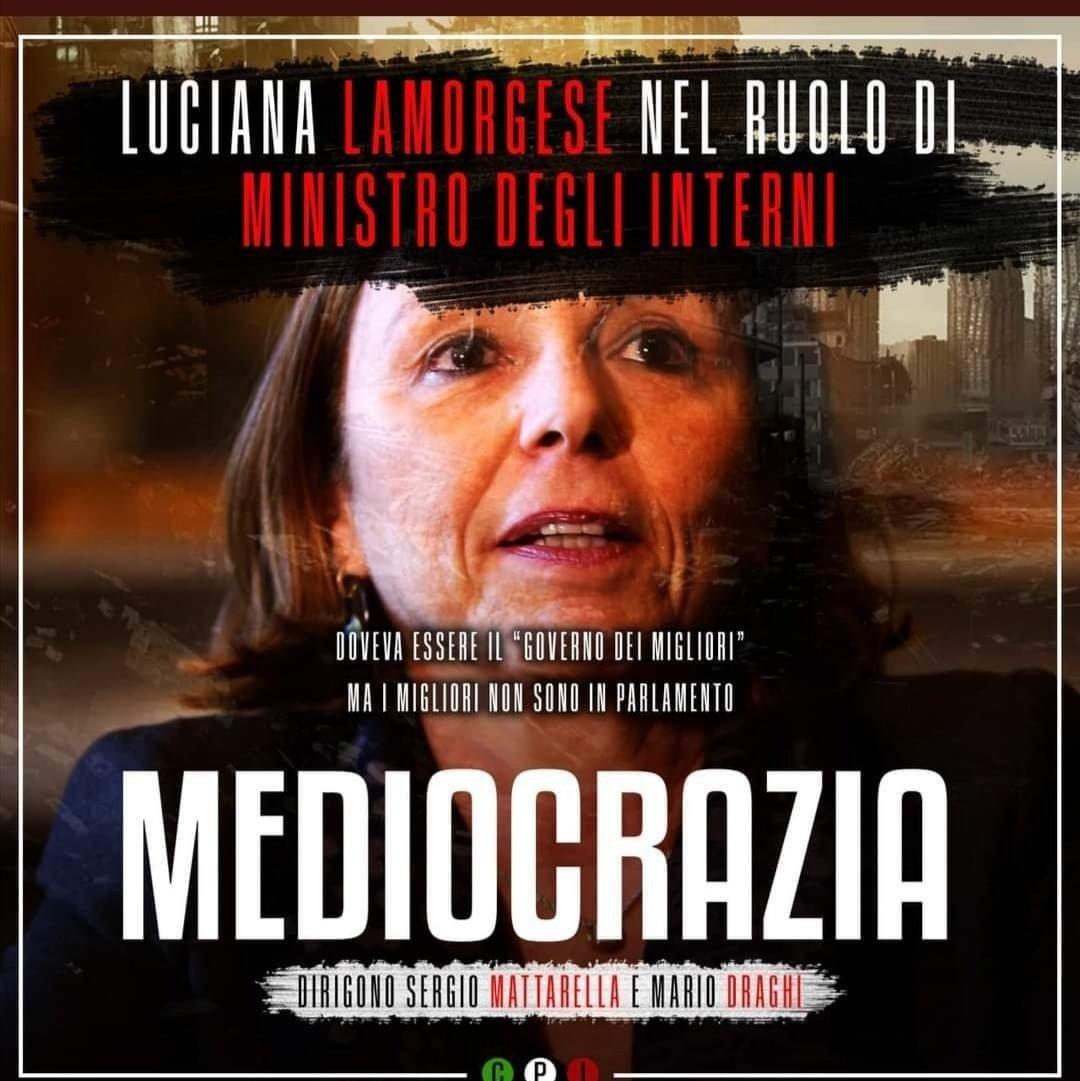 #mediocrazia