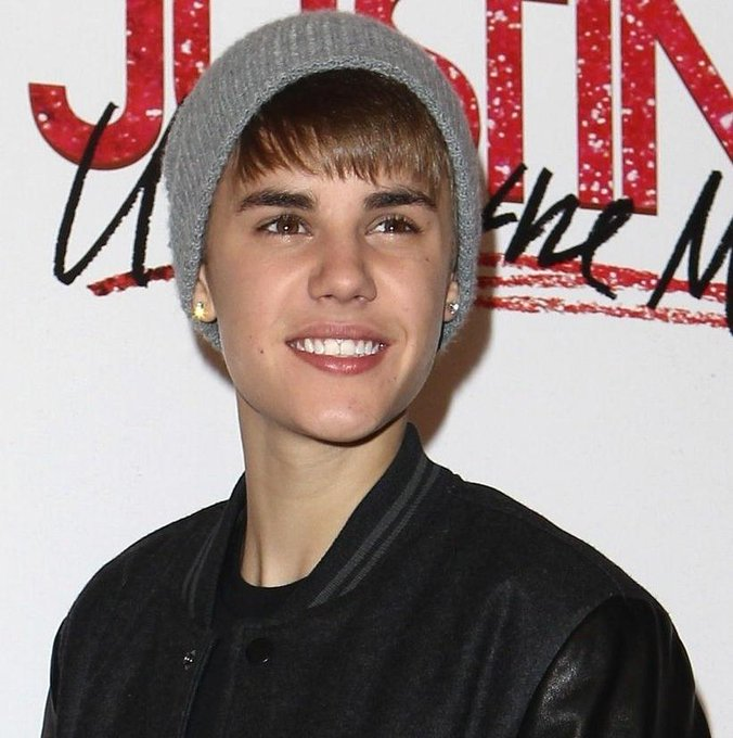 Happy birthday Justin Bieber. I will always be with you!  I as Favorite Male Artist at the