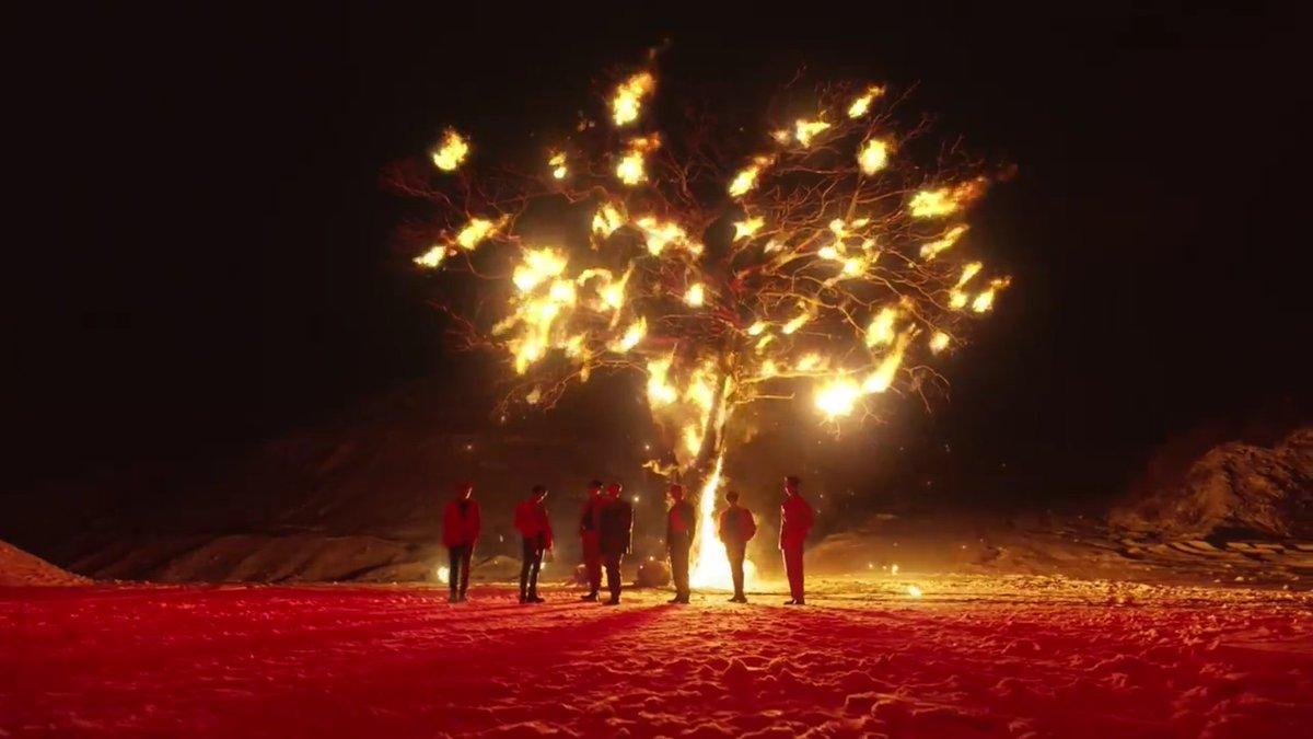 Manow..... ta perfeito 😍😍😍😍😍😍😍😍😍😍  ATEEZ COMEBACK  #지금우리ATEEZ는_불놀이야 @ATEEZofficial #FIREWORKS #불놀이야 #에이티즈  #ATEEZ  #FEVER_Part_2