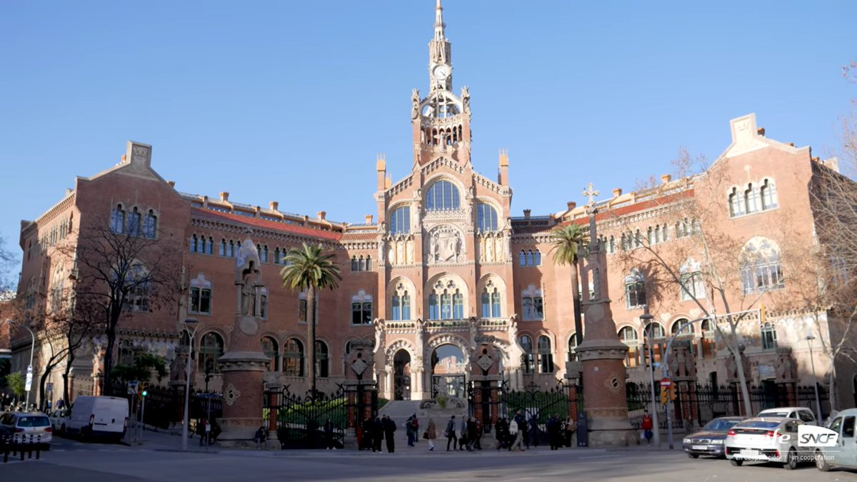 #Whenwetravelagain we will go all over #Barcelona to #discover the #masterpieces of another famous #architect: Domènech i Montaner. 🏦😍 #travel #spain #catalonia #tourism  ▶