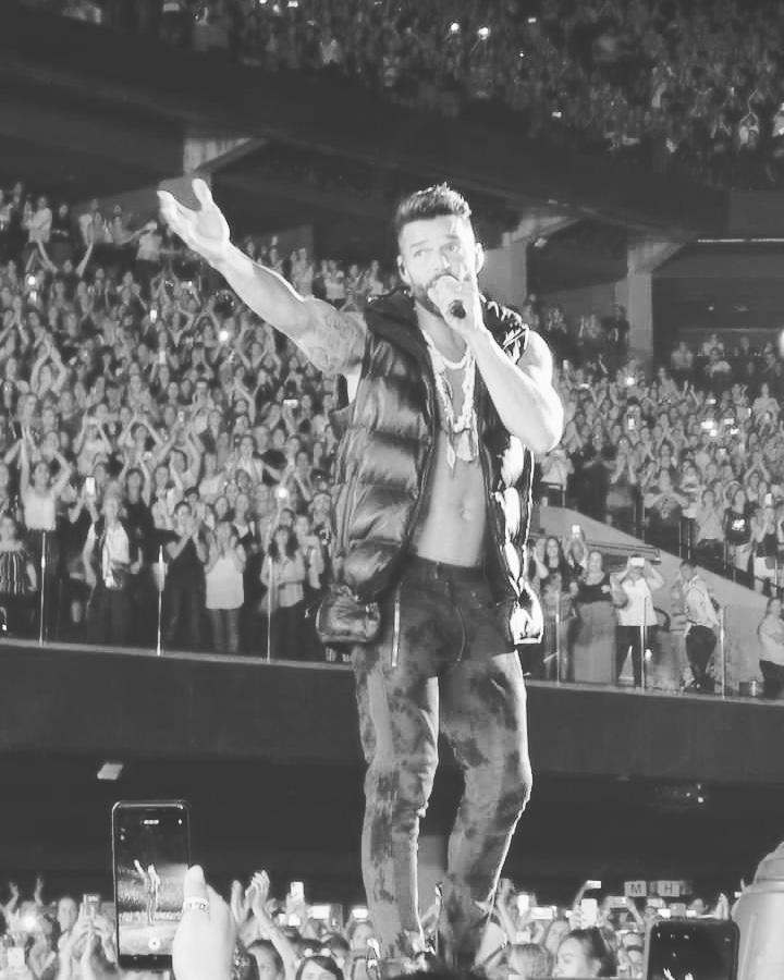 #BuenDia #pitufinas💙 #Familia #JPUS #Fans #RickyMartin #Fanáticas #TBT #JuntosPorUnSentimiento #Sedes #mundo #Smile @ricky_martin #RickyMartinEnConcierto #LGBT #teamjpus💙💙 #sexysouls #tuclubdefansenlaluna #Bello #Perfecto #TQMBoricua #argentina🇦🇷